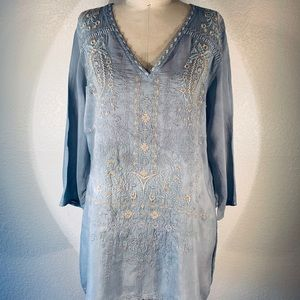 Johnny Was Paisley v nk blouse size M NWT